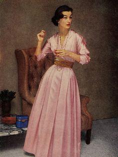 Vintage Fashion: Pink dress so pretty! 1950's fashion.