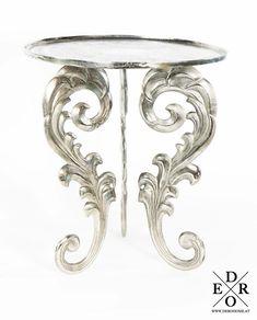 """Exklusiver Beistelltisch """"Maximilian"""" im Barock Vintage Design – aus Metall gefertigt. Platzieren Sie den Tisch neben der Couch um Ihre Getränke oder Snacks abzustellen, oder setzen Sie den dekorativen Tisch ein, um nette Deko Objekte darauf zu platzieren. Das ausgefallene Design und die Metall Optik machen dieses Möbelstück zu einen wahren Highlight in Ihrem Zuhause. Buddha Kopf, Maximilian, Couch, Snacks, Vintage, Home Decor, Baroque, Objects, Home Decor Accessories"""