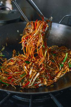 Chicken Lo Mein: 30-Min Authentic Takeout Recipe! | The Woks of Life - #chinesefood - This chicken lo mein recipe is surprisingly easy to make at home, and it actually tastes a lot better than what you can get at most takeout restaurants.... Authentic Chinese Recipes, Chinese Chicken Recipes, Easy Chinese Recipes, Asian Recipes, Chinese Meals, Asian Chicken, Homemade Chinese Food, Chinese Desserts, Sesame Chicken