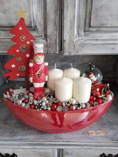 Elegant Christmas Centerpieces, Christmas Decorations, Holiday Decor, Homemade Christmas Gifts, Christmas Crafts, Christmas Ornaments, Advent Wreath, Winter Christmas, Decor Crafts