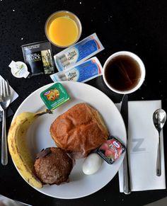 Mon séjour à l'hôtel Zero-1 est à lire sur mon blog http://atasteofmylife.fr  Une très bonne adresse à Montréal, QC !