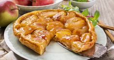 Some of the best culinary creations come from happy accidents in the kitchen. Here's one that became a classic in French cuisine… Rustic Apple Tart, Frozen Puff Pastry, Butter, Apple Slices, French Food, Daily Meals, Sweet Recipes, Macaroni And Cheese, Slow Cooker