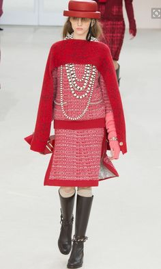 Textured tweed is a signature of every Chanel collection!