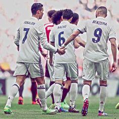 """794.7k Likes, 1,335 Comments - Real Madrid C.F. (@realmadrid) on Instagram: """"Athletic 1-2 Real Madrid @Cristiano 🤝 @KarimBenzema #HalaMadrid"""""""