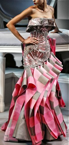 Christian #Dior meets art! Stunning! #couture,#fashion