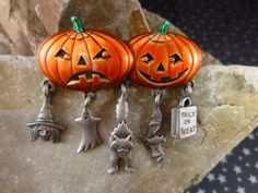 Vintage Halloween Pin Jack-O-Lanterns with by TwinklingStarVintage