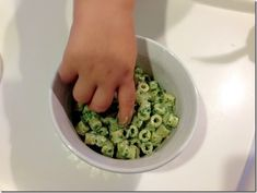 Toddlers and adults should both love healthy toddler meals. Delicious cheese and pasta combine with green veggies you can feel good about serving! Daycare Meals, Kids Meals, Baby Meals, Baby Food Recipes, Cooking Recipes, Healthy Recipes, Toddler Recipes, Children Recipes, Spinach Recipe For Toddler