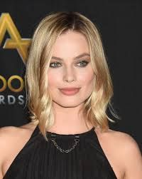 Margot Robbie attends the Annual Hollywood Film Awards - Arrivals on November 2017 in Beverly Hills, California 302308 Margot Robbie, Perfect Image, Perfect Photo, Perfumes Dolce Gabbana, Love Photos, Cool Pictures, Gorgeous Women, Most Beautiful, Perfume Carolina Herrera
