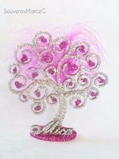 Árbol De La Vida Con Estrellas Y Corazones Souvenir - $ 30,00 Minnie Birthday, Birthday Ideas, Dream Catcher Craft, Floral Arrangements, Centerpieces, Mandala, Crafts, Quinceanera Ideas, Wedding