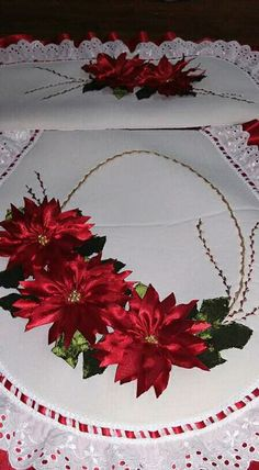 Christmas Holidays, Christmas Crafts, Christmas Decorations, Xmas, Ribbon Art, Ribbon Crafts, Christmas Bathroom Decor, Silk Ribbon Embroidery, Ribbon Sewing