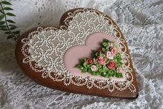 Gingerbread heart, needlepoint and roses