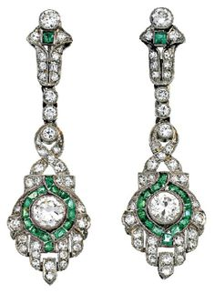 PAIR OF EMERALD AND DIAMOND EARRINGS, CIRCA 1920