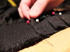 Rynker og falder Sewing Hacks, Diy And Crafts, Weaving, Pattern, Hardanger, Embroidery, Closure Weave, Patterns