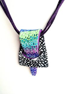bettina0.jpg Cecelia Botton ~ I like the construction of this pendant.i
