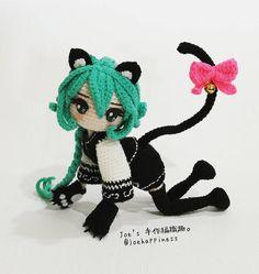 【貓女】 ✏美麗可愛又性感的狩獵者。 高:16cm 鉤針:1.5mm 謝謝@chu_peichun  讓我試鉤這麼美麗的貓女。 即將在莉塔社團內的 1月市集開賣織圖。 #かぎ針編み #かぎ針編みの人形