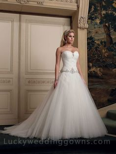 Tulle Ball Gown Sweetheart Wedding Dress with Woven Bodice. This is really pretty but I'd rather have lace with sleeves!