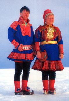 The term which the Saami use for their attire is Gákti. This has been borrowed into Norwegian as Kofte, into Swedish as Kolt, and into Finnish as Takki. Lappland, Tribal People, Photography Words, Folk Fashion, Folk Costume, World Cultures, Samara, Traditional Dresses, Dance Wear