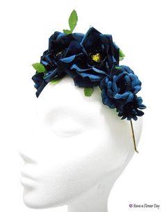 Corona flores azul oscuro. Diadema flores novia. por HaveaFlowerDay