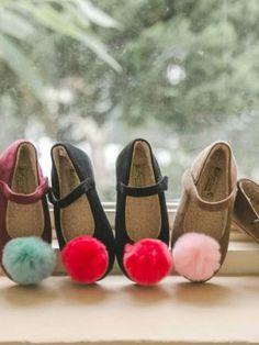 Pom Pom Flat Shoes