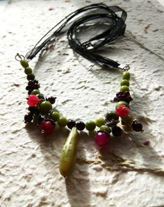 Fall necklace berries and leaves rubies by WildAtlanticCraft Berries, My Etsy Shop, Leaves, Fall, Unique Jewelry, Handmade Gifts, Crafts, Vintage, Autumn