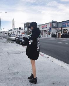 50afc04570 47 Adorable Ways to Wear Oversized Hoodie