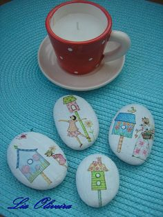 #painted rocks, pedras do rio..river stones by Lia Oliveira ( doce abóbrinha ), via Flickr