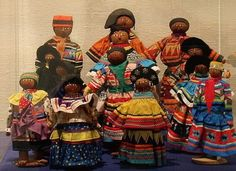 Seminole dolls Native American Dolls, American Indians, Seminole Indians, Seminole Florida, Horse And Human, Trail Of Tears, Indian Dolls, Old Dolls, Feathers