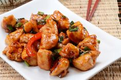Clean Eating Slow Cooker General Tso's Chicken!! Put down the takeout menu!  #crockpotchinesefood #crockpotgeneraltsos