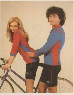 Nel 75 ebbi una bruciante passione per il velocipede (ancora non portavo i baffi). Nella foto la mia compagna dell'epoca Pysta Cyclabile, che purtroppo aveva il vizio di mettersi tra me ed il mio sport preferito.