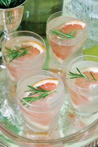 Christmas Grapefruit & Rosemary Cocktail: In a cocktail shaker, muddle together ice and rosemary. Add grapefruit slice, and muddle again.  Pour vodka and seltzer water over muddled grapefruit mixture. Strain into a glass. Serve with ice, if desired. Garnish with a grapefruit slice and a rosemary sprig, if desired.