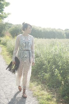 Adore this lace maxi dress for festivals!