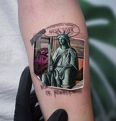 Dope Tattoos, Girl Tattoos, Tattoos For Guys, Statue Of Liberty Tattoo, Tatoo Styles, New York Tattoo, Framed Tattoo, Tattoo Master, Sick Tattoo