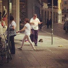 Teil 2 unseres Milano-Helden  Er hat unser Wochenende definitiv mit viel Freude gefüllt,einem Dauerohrwurm und der Erkenntnis,dass nicht jeder so ein Taktgefühl hat  Und BTW @btsound You Rock  for life  #bendj #dance #diewocheaufinstagram #friends #goodtimes #happy #instagood #mailand #memories #milan #milano #music #rainfall #streetdance #travel #travelgram #yougotitgirl