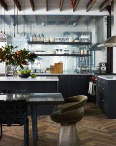 Estúdio Lorena Couto se inspira em:  cozinha de loft