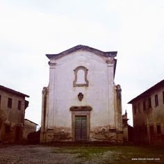 Villa Saletta ghost town, abandoned Tuscany, Italy Read the article here: http://www.blocal-travel.com/2014/12/abandoned-tuscany.html