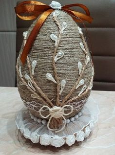 Яйца Easter Egg Crafts, Easter Projects, Easter Eggs, Jute Crafts, Christmas Crafts, Christmas Ornaments, Easter Crochet, Easter Activities, Egg Art