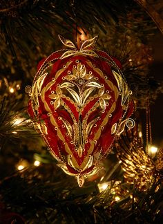 Quilled Tree Ornament by all things paper, via Flickr