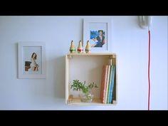 Nichos de madeira: 70 ideias e tutoriais para organizar a casa com estilo Decor, Shelves, Interior, Floating Shelves, Floating, Home Decor, Interior Design