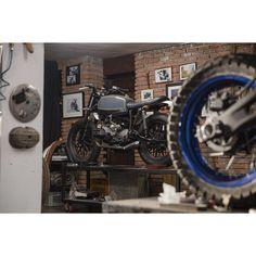 bunkercustomcycles:  #bunkercustoms #bikeexif #caferacer #tracker #streettracker…