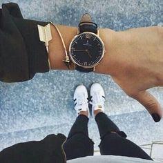 Montre & jonc : un duo raffiné pour votre poignet - Les Éclaireuses