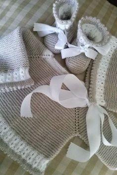 New baby accessories girl beautiful ideas Knitting For Kids, Baby Knitting Patterns, Baby Patterns, Cardigan Bebe, Baby Cardigan, Crochet Baby Jacket, Crochet Baby Hats, Pull Bebe, Baby Socks