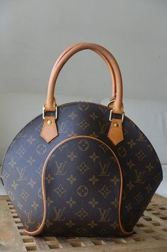Ellipse Pm Monogram Canvas Satchel Craving Louis Vuitton Pinterest Satchelonogram