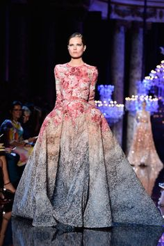 Love the use of colours and delicacy that Elie Saab never fails to deliver with his designs.
