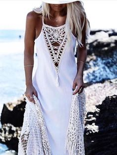 Maxi dress in light weight Rayon fabric with Cotton handmade crochet dreamcatcher-like open stitch insert. Center front and si braid styles 2019 Dreamcatcher Maxi Dress Bohemian Mode, Bohemian Style, Boho Chic, Hijab Fashion, Boho Fashion, Fashion Dresses, Fashion Design, Petite Fashion, French Fashion