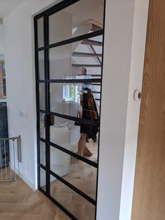 Stalen deur met zijlicht. www.lasenconstructiebedrijfzuidema.nl info@lasenconstructiebedrijfzuidema.nl