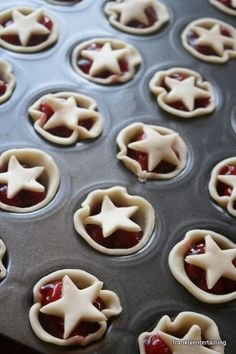 Dessert Ever Cherry Pie -- these would be cute for the Fourth of July!Cherry Pie -- these would be cute for the Fourth of July! Easy Potluck Desserts, Mini Desserts, Just Desserts, Dessert Recipes, Easy July 4th Desserts, Baking Desserts, Dessert Ideas, July 4th Appetizers, Work Potluck