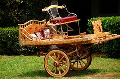 Gypsy Gold Farm Spinner 1    Gypsys traveled from town to town and lived in the big caravan wagons. In town, to make deliveries, pick ups, and run errands they used smaller wagons called spinners. The spinners are usually highly decorated as are the caravans