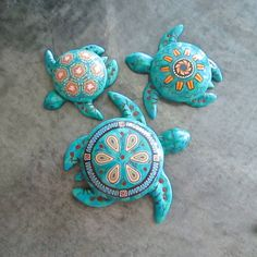 Three Faux Turquoise Sea Turtle Boxes by Deb Hart Polymer Clay Creations, Polymer Clay Crafts, Polymer Clay Jewelry, Turtle Painting, Dot Painting, Cute Turtles, Sea Turtles, Baby Turtles, Polymer Clay Animals