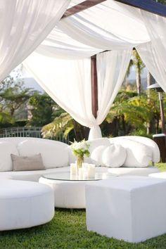 Witte tuinmeubelen, white outdoor furniture / ideas inspiration garden #Fonteyn