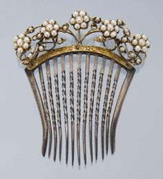 Victorian Gold & Silver Hair Comb with Natural Pearls in Nouveau Style.